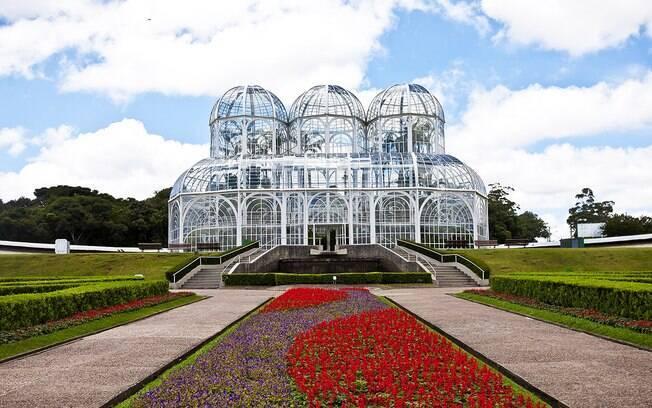 O Jardim Botânico é uma das atrações de Curitiba, que está na lista dos destinos nacionais mais em conta para o feriado