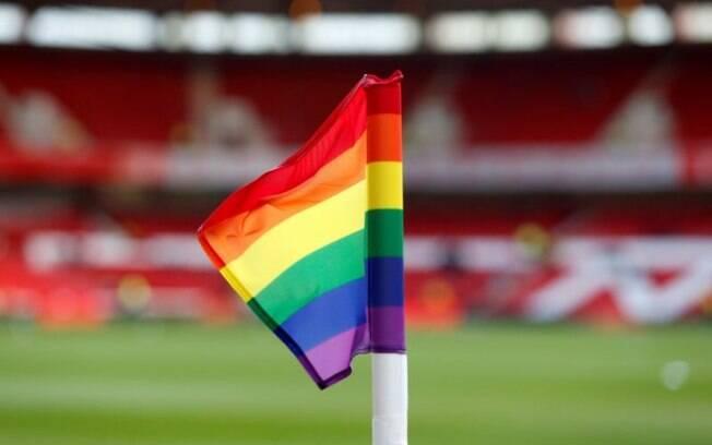 Times prestaram homenagem contra LGBTIfobia