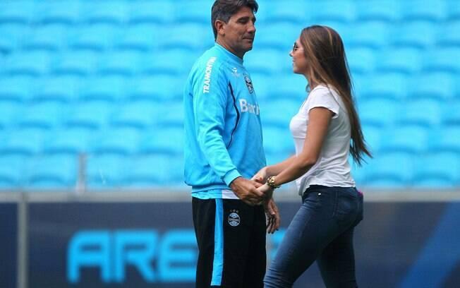 Carol Portaluppi também presenciou o treino  do Grêmio, no sábado