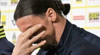 Ibrahimovic desfalca a Suécia na Eurocopa devido a lesão no joelho