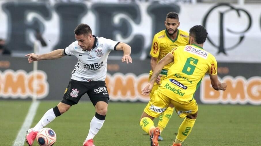 Corinthians e Mirassol se enfrentam no Rio de Janeiro