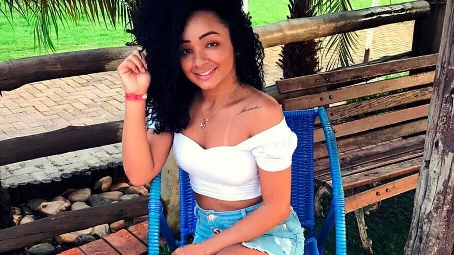 Jhane Pereira teve a ideia de vender fotos íntimas depois de propostas em rede social