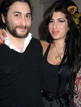 Alex e Amy Winehouse: saudades da irmã