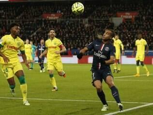 Aos 34 minutos da primeira etapa, Lucas arrancou pela direita e cruzou para Ibrahimovic empatar o jogo