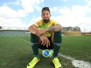 Esportes - Belo Horizonte - MG Atacante do America Diney  FOTO: FERNANDA CARVALHO / O TEMPO - 04.09.2014