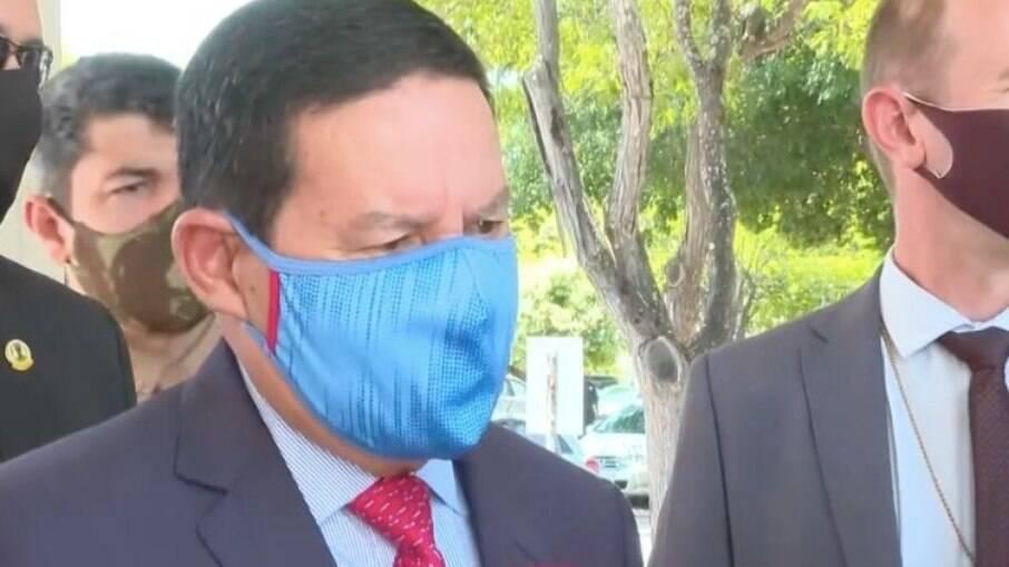 Vice-presidente Hamilton Mourão disse que iniciativa privada terá dificuldade para comprar vacinas