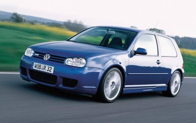 Volkswagen Golf R32 conta com motor de seis cilindros e 241 cavalos e carroceria de apenas três portas para maior apelo esportivo