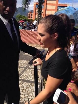 Livian Aragão fura fila e revolta fãs de Demi Lovato