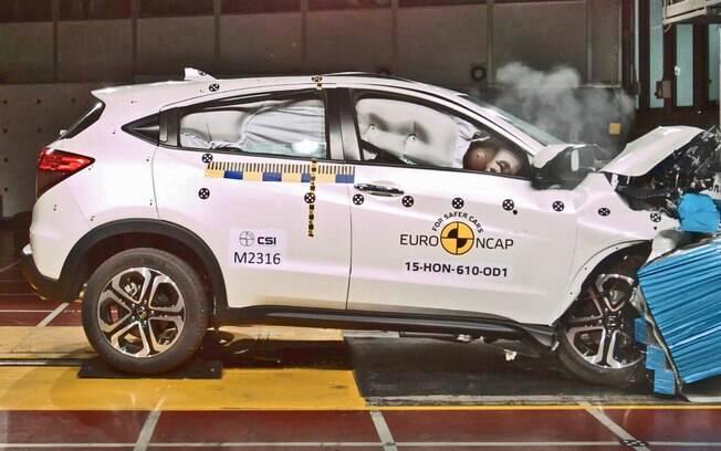 O utilitário esportivo Honda HR-V conseguiu nota máxima nos testes de colisão pelos quais passou até agora