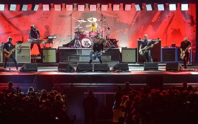 Foo Fighters volta ao Brasil para turnê em conjunto com o Queens of the Stone Age