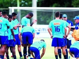 Duas frentes. Raposa entra em campo nesta tarde para pegar o Boa pelo Mineiro, mas tarefa mais difícil será na quinta-feira contra a La U