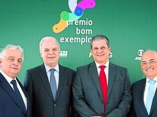 Parceria de sucesso. Na foto, os representantes da Fiemg, da Fundação Dom Cabral, da TV Globo Minas, e do jornal  O TEMPO
