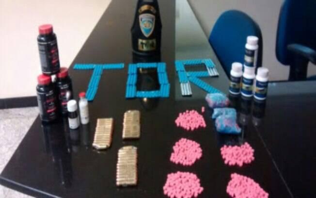 O quarteto foi flagrado com mais de 1 mil comprimidos de ecstasy