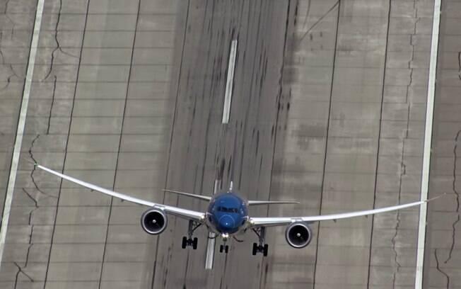 Embraer e Boeing buscam, juntas, unir forças e competir internacionalmente com grande destaque no setor de aviação