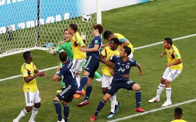 4f38304091 Cabeçada de Osako decidiu o jogo para o Japão