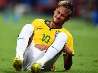 Os craques Neymar e e Cristiano Ronaldo, por exemplo, perderam cerca de 300 mil seguidores cada