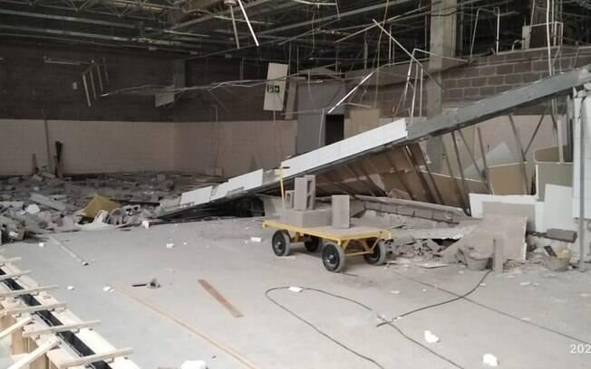 O desabamento da parede deixou quatro mortos e um ferido.