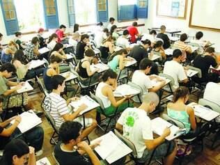 Estudantes de até 32 anos poderão ser dependentes de pais e avôs