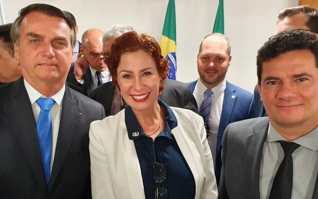 A deputada Carla Zambelli ao lado do presidente Jair Bolsonaro e do ministro Sergio Moro