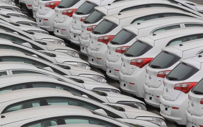 Venda de veículos novos caiu pela primeira vez em quatro anos em 2020, ano de pandemia