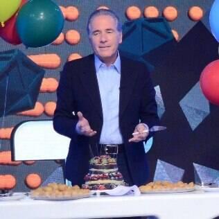 Roberto Justus ganha festa surpresa com coxinha