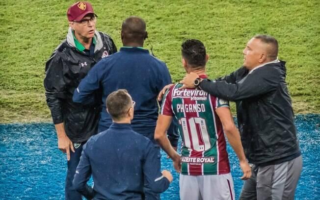 Ganso e Oswaldo de Oliveira discutiram feio em campo%2C se xingando