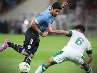 Suarez teve boa presença no amistoso, mas não conseguiu dar a vitória ao Uruguai