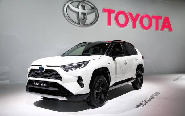 Toyota RAV4 é atração no Salão de Paris (França). Deverá chegar ao Brasil em 2019 para brigar entre os SUVS médios