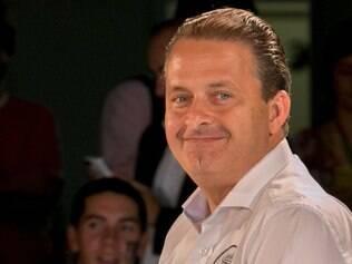 Os restos mortais do candidato do PSB à Presidência, Eduardo Campos, chegarão na noite desta quarta-feira (13) na unidade do Instituto Médico Legal (IML) em São Paulo.