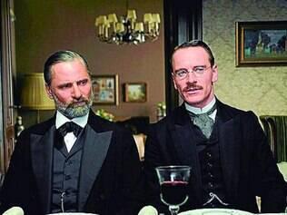 """Fassbender e Mortensen em uma das cenas de """"Um Método Perigoso"""""""