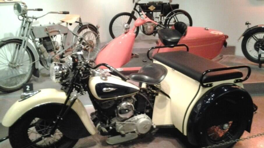 O triciclo Indian Dispatch Tow de 1941 era utilizado para entregar automóveis