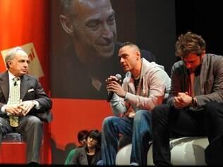 Bate papo de Carlo Gugliemi, presidente do Salão de Milão, com jovens designers