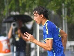 Geromel é um dos jogadores do Grêmio que está torcendo pelo Cruzeiro