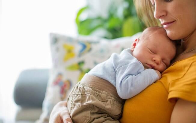Adotar alguns cuidados com a alimentação e segurança do bebê podem evitar mortes acidentais