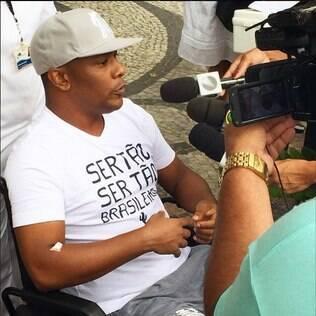 Márcio Victor, do Psirico, dá entrevista após alta na manhã deste domingo