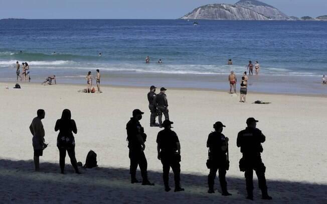 Com novas regras, cariocas poderão voltar a tomar banho de mar nas praias da cidade