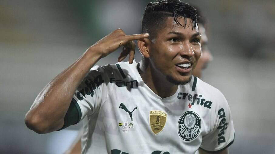 Rony marcou um dos gols da vitória do Palmeiras