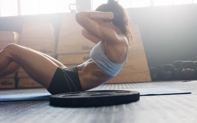 Corpo fica mais definido com o fortalecimento e gasto calórico promovido pela CXWORX, principalmente o abdômen