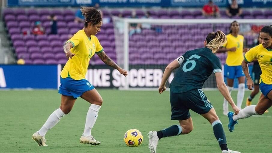 Atacante foi cortada da Seleção Brasileira antes da disputa dos Jogos Olímpicos de Tóquio