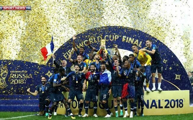 A França, campeã da Copa, subiu para a primeira posição do ranking da Fifa