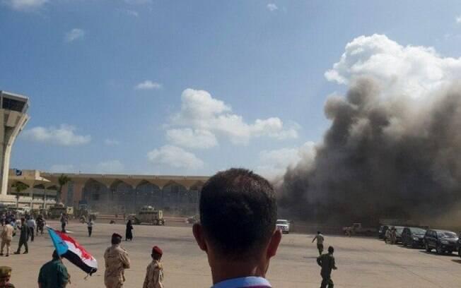 Pelo menos dez pessoas morreram no ataque que também deixou dezenas de feridos.