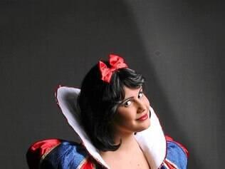Nicole Lima estreia em musicais como Branca de Neve