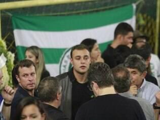 Jogadores esmeraldinos foram se despedir de Fernandão, como Renan, Josué, Silvio Criciúma, Túlio Lustosa e Iarley