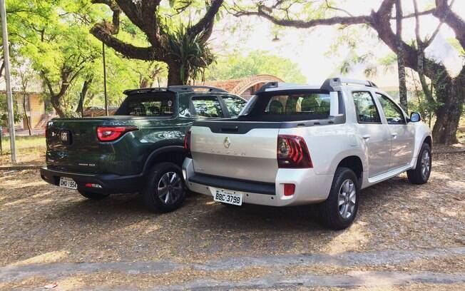 De traseira fica ainda mais claro que a Renault Oroch é mais compacta que a rival da marca italiana