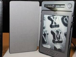 Capa para Kindle que recarrega o aparelho com energia solar. Produtos
