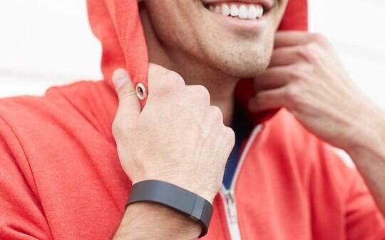 e45b0e132df Relógios inteligentes alavancam crescimento do setor de dispositivos  vestíveis - Tecnologia - iG
