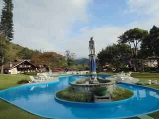 Lazer. Spa e área da piscina são opções de  relaxamento para os hóspedes do Le Canton