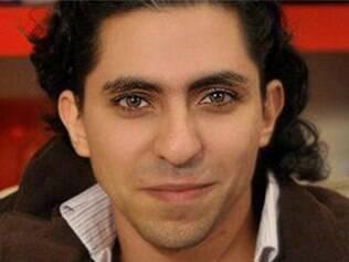 Por insultar Islã, blogueiro Raef Badaui foi condenado em mil chibatadas divididas por 20 semanas