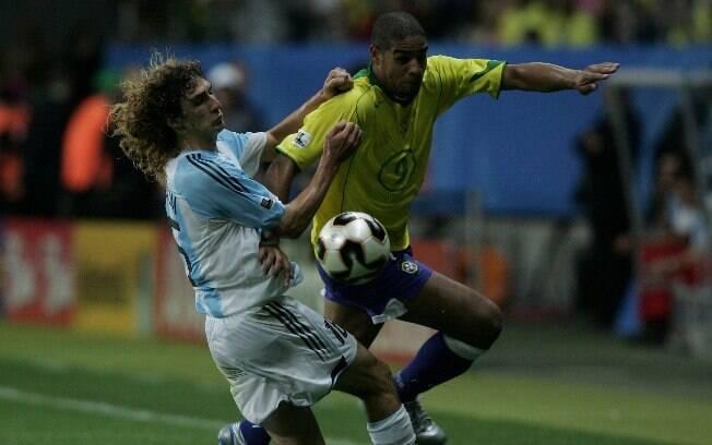 Em 2005, na final da Copa das Confederações, Brasil fez 4 a 1 na Argentina em Frankfurt