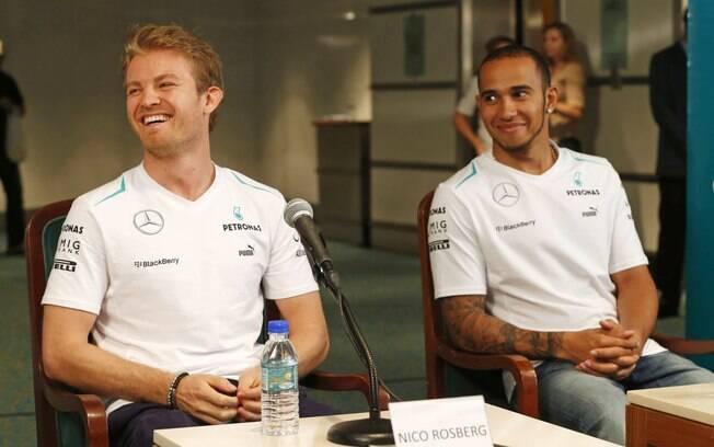 Hamilton e Rosberg conversaram com o público  nesta quarta-feira